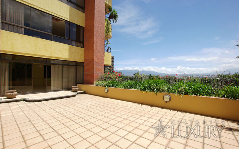 Exclusive apartment with private terrace and garden, amazing views in best location