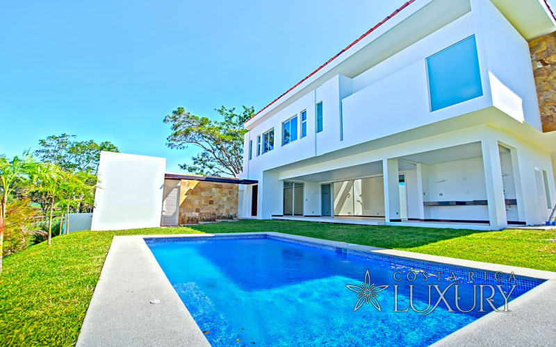 Contempo with Pool in Valle del Sol