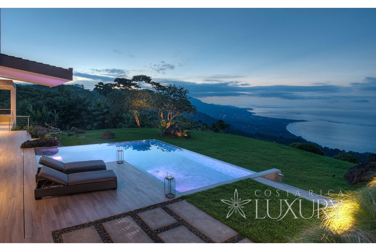HEAVEN ON EARTH – The House with Infinity Views