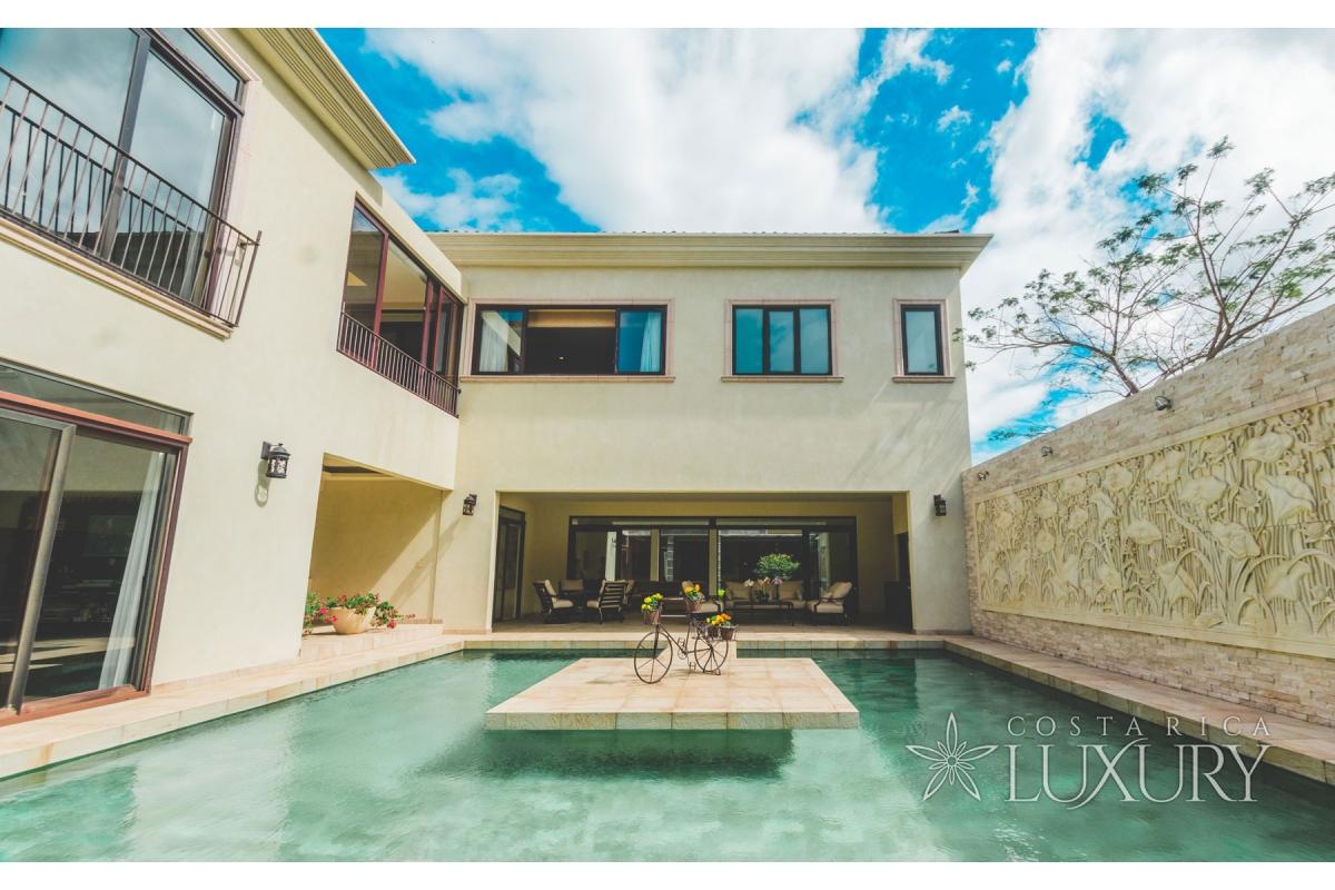 Fine Architectural Luxury Home in La Hacienda